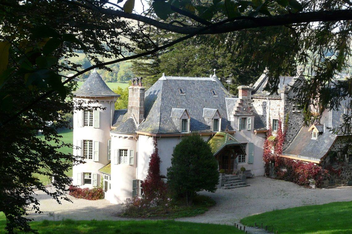 chateau-cheyrelle1